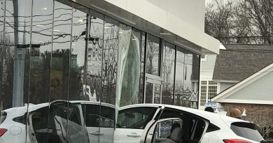 UPDATED: Vehicle Crashes Into Store on Route 9 in Framingham