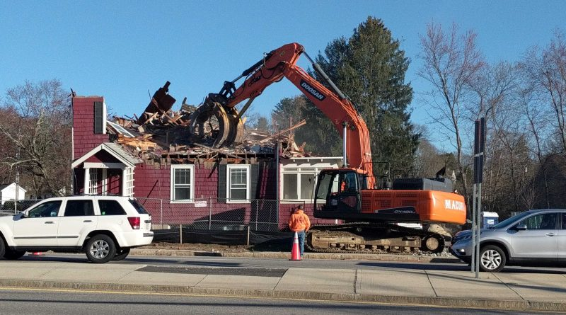 Photo of the Day: Hair Salon Demolished