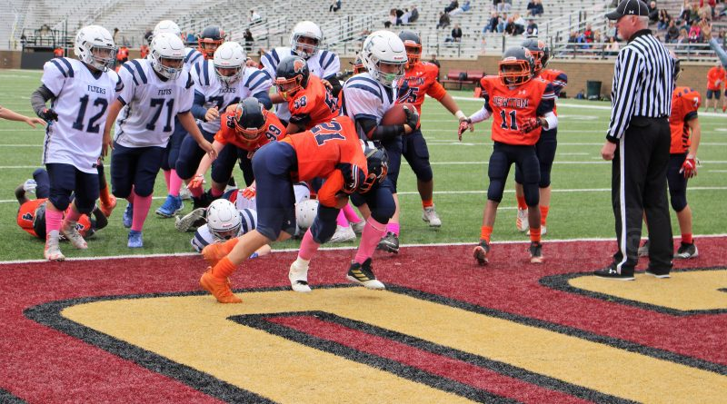 PHOTO OF THE DAY: Framingham Jr. Flyers Play at Boston College's Alumni Field
