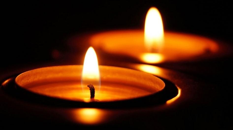 memorial candle courtesy.'